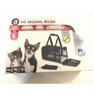 Sherpa The Original Deluxe Pet Carrier Black Small